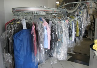 dry cleaning conveyor
