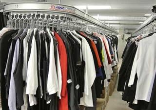 Garment conveyor